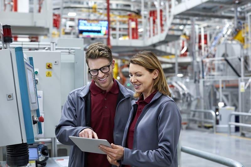 Robotyzacja procesów produkcyjnych a przyszłość przemysłu